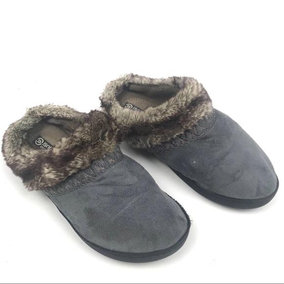 Isotoner 8.5-9 Smart Zone 2 Slip On Fur Slippers